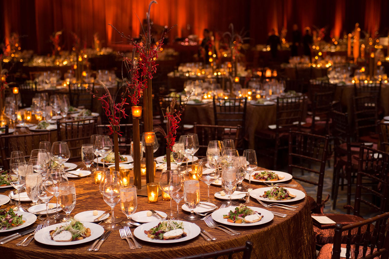Elegant Corporate Holiday Party for Seven Hundred